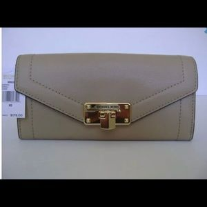 Michael Kors Kinsley Bisque Leather Wallet